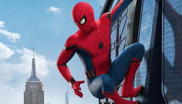 VIDEO: आयरन मैन से सच्चा सुपर हीरो बनने की ट्रेनिंग ले रहा स्पाइडर मैन