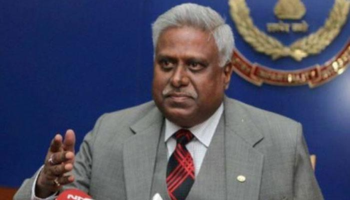 सीबीआई ने अपने पूर्व डायरेक्टर रंजीत सिन्हा के खिलाफ दर्ज की FIR