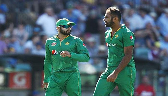 चैंपियंस ट्रॉफी 2017 : अजहर अली-उमर अकमल को पाकिस्तान टीम में मिली जगह, कामरान हुए बाहर