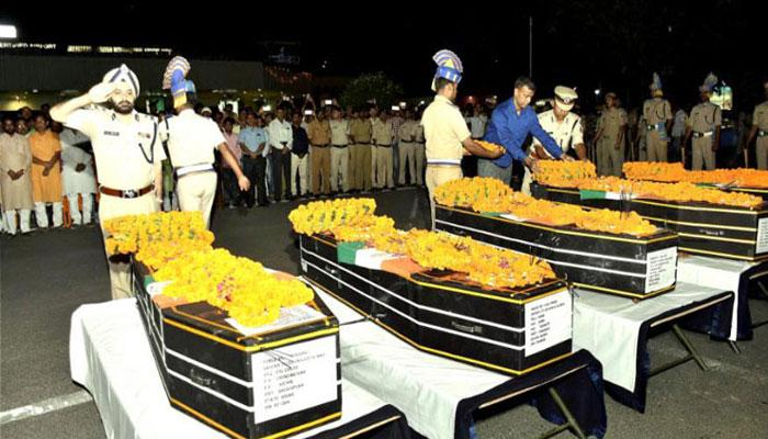 शानदार पहल को सलाम, शहीदों के परिवार को गोद लेंगे IAS अधिकारी