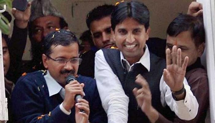 भाजपा नेता का दावा: AAP के 34 विधायक केजरीवाल को नहीं, बल्कि कुमार विश्वास को देखना चाहते हैं दिल्ली का सीएम