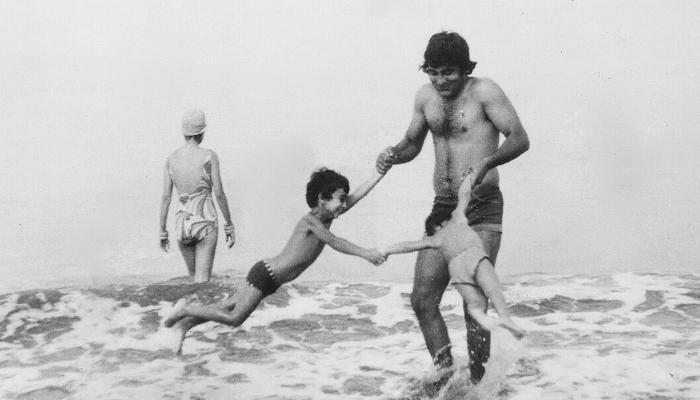 पापा विनोद खन्ना के साथ मस्ती की तस्वीर शेयर कर भावुक हुए राहुल खन्ना
