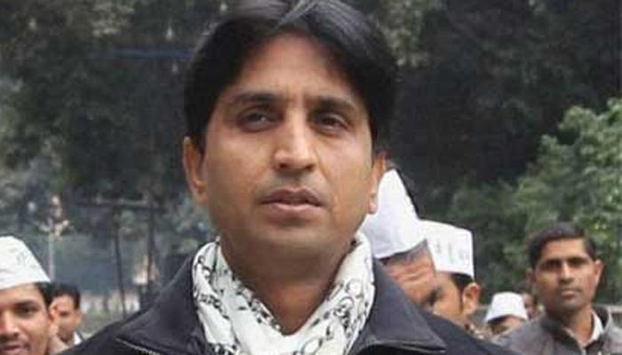 कपिल मिश्रा के आरोपों पर कुमार विश्वास और योगेंद्र यादव ने दी प्रतिक्रिया