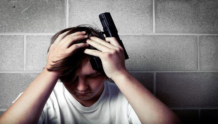 सिर्फ कुछ फोन कॉल रोक सकता है आत्महत्या के प्रयास को