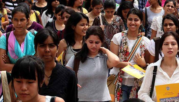 NEET Exam ड्रेस कोड: कन्नूर में चार शिक्षिकाएं निलंबित, केरल विधानसभा में गूंजा मुद्दा