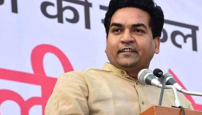AAP के नेता कल बोलेंगे कि जनता की अंगुली ही गड़बड़ है, जो गलत बटन दबा देती है: कपिल मिश्रा