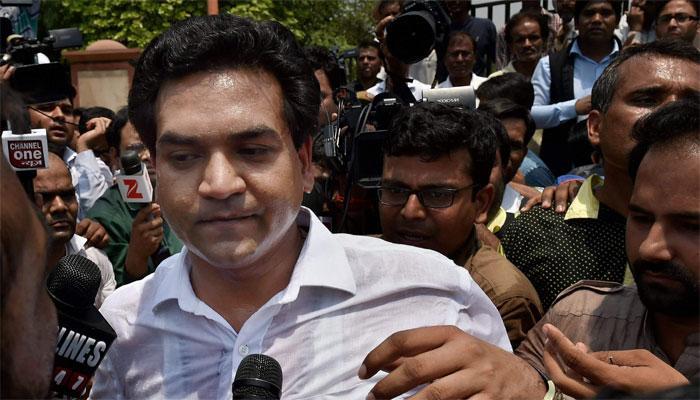 कपिल मिश्रा ने खत्म किया अनशन, बोले- अरविंद केजरीवाल जेल जाने से नहीं बच सकते
