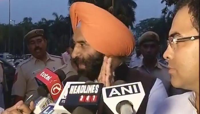 बीजेपी नेताओं ने ममता के भतीजे के घर के बाहर किया हंगामा, देखें वीडियो