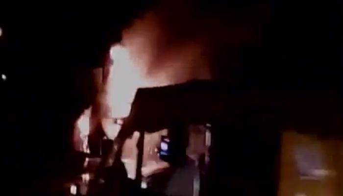 दिल्ली: DTC के AC बस में लगी आग, बाल बाल बचे पैसेंजर्स, WATCH VIDEO