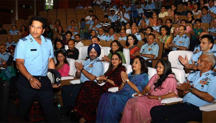 सचिन ने भारतीय वायुसेना के लिए रखी अपनी फिल्म की पहली स्पेशल स्क्रीनिंग