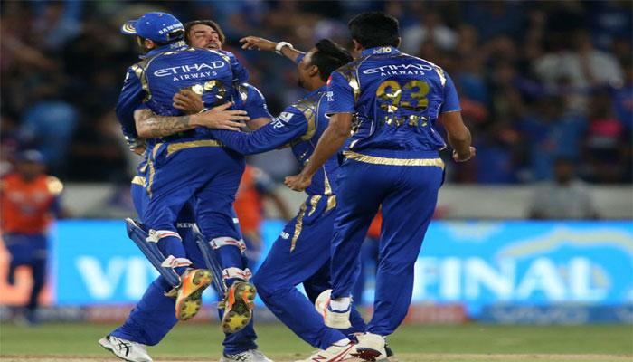 PICS : बस एक रन बनाने से चूक गई पुणे, आखिरी ओवर में मुंबई ने ऐसे मारी बाजी
