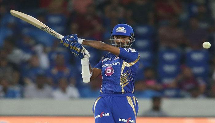 IPL 10 Final : फिर चला क्रुणाल पांड्या के बल्ले का जादू, ऐसे जड़े दो छक्के