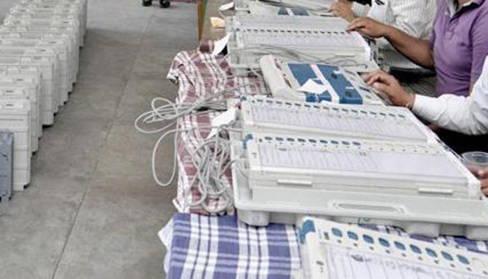 ईवीएम को हैक करने की चुनौती का राजनीतिक पार्टियों को भेजा गया आमंत्रित