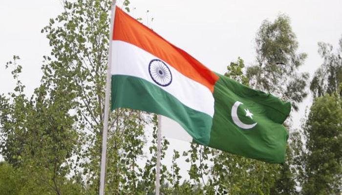 अमेरिकी अफसर ने कहा - पाकिस्तान को सबक सिखाने पर विचार कर रहा है भारत