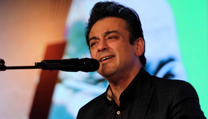 बीफ विवाद  : पाकिस्तानियों ने अदनान सामी को किया ट्रोल, जवाब में कहा- ये आजादी की बात है आप नहीं समझेंगे...