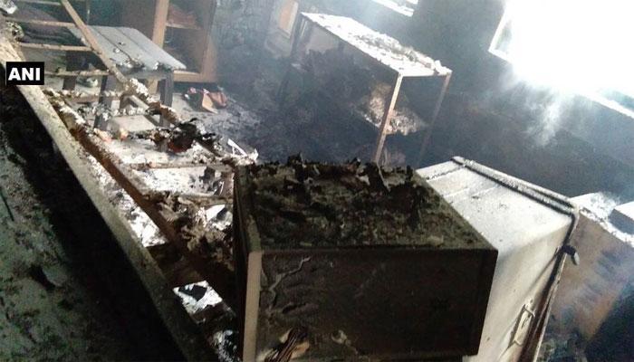 झारखंड में नक्सली हमला, डुमरी बिहार स्टेशन पर ट्रेन के इंजन में लगाई आग