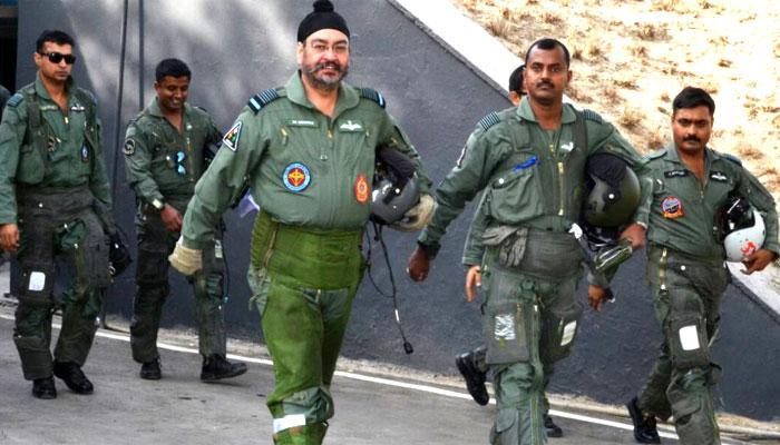 IAF चीफ ने मिग 21 उड़ाकर दी कारगिल शहीदों को श्रद्धांजलि