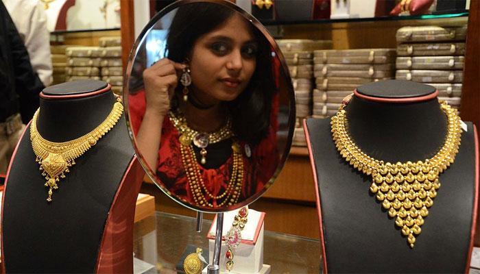 सोना, चांदी की कीमतों में गिरावट, सोना अब 29370 रुपए प्रति 10 ग्राम