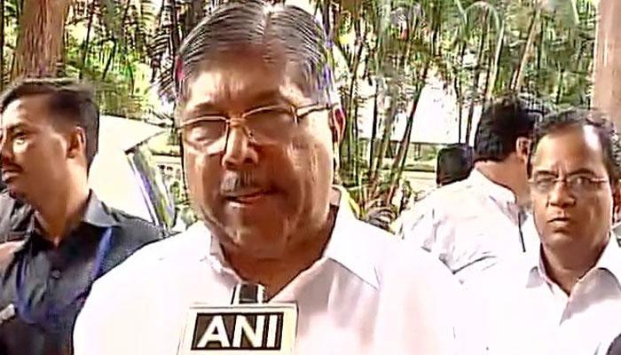 महाराष्ट्र सरकार ने माफ किया किसानों का कर्ज, किसानों ने वापस लिया आंदोलन