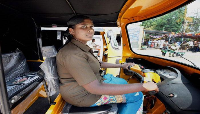 रोजगार को बढ़ावा देने के लिए मोदी सरकार की महिलाओं के लिए एक और सौगात