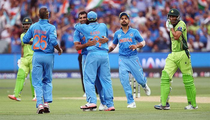 चैम्पियंस ट्रॉफी : नहीं चले भारत के बल्लेबाज और गेंदबाज, पाकिस्तान बना चैंपियन