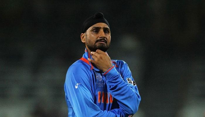 चैम्पियंस ट्रॉफी: हरभजन ने गेंदबाज़ों के सिर फोड़ा फ़ाइनल में हार का ठीकरा