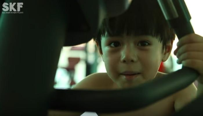 फिल्म ट्यूबलाइट का दोस्त: 'उसकी' मासूमियत और अदाओं के कायल हो गए सलमान खान