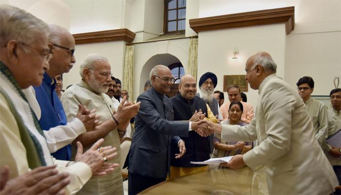 रामनाथ कोविंद ने भरा नामांकन, बोले- राष्ट्रपति चुनाव पद दलगत राजनीति से उपर