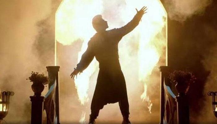 PICS : सलमान की 'ट्यूबलाइट' की ये तस्वीरें हुई लीक, जादूगर बने हैं शाहरुख खान