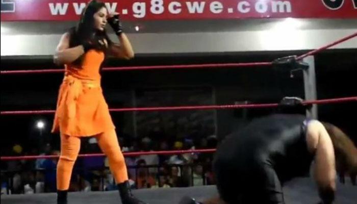 VIDEO : भारत की 'बेटी' रचेगी इतिहास, WWE में पहुंचने वाली पहली महिला पहलवान