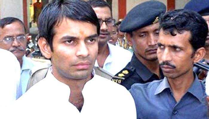 लालू के बेटे तेज प्रताप पर राजद नेता का आरोप कहा, 'मुझे दी गंदी गालियां, धक्का देकर भगाया!'