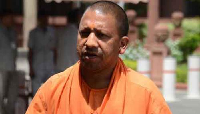 उत्तर प्रदेश: सीएम ऑफ़िस ने दी आठ ओएसडी की इजाज़त, 6 रह चुके हैं योगी के साथ गोरखनाथ मंदिर में