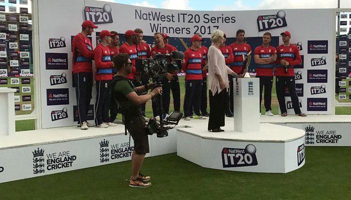 इंग्लैंड ने दक्षिण अफ्रीका को 19 रन से हराया, टी20 सिरीज़ अपने नाम किया
