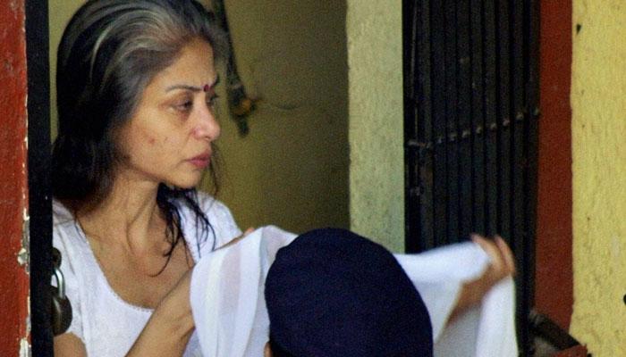 इंद्राणी मुखर्जी ने कोर्ट से कहा, 'जेलकर्मियों ने मेरे हाथ-पैरों में मारा, मैं मुश्किल से चल पा रही थी'