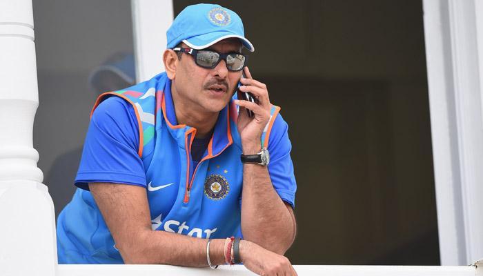रवि शास्त्री इस पूर्व क्रिकेटर के कहने पर कोच पद के लिए एप्लाई करने को हुए तैयार!
