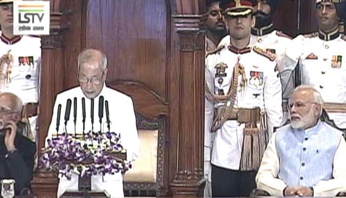 राष्ट्रपति प्रणब मुखर्जी हुए थोड़ा भावुक, GST से उनका ये है लिंक!