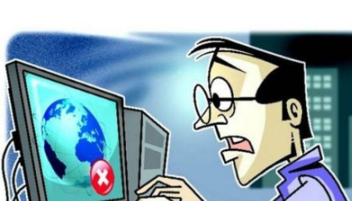 इंटरनेट: घनी असुरक्षा के बीच बच्चे और साइबर क़ानून