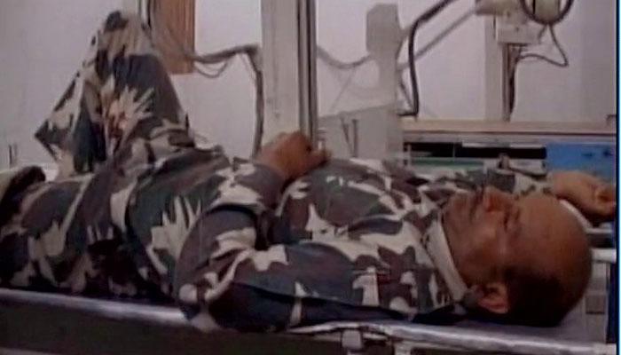 कश्मीर: कुलगाम में आतंकियों का ग्रेनेड हमला, CRPF का एक अधिकारी ज़ख़्मी