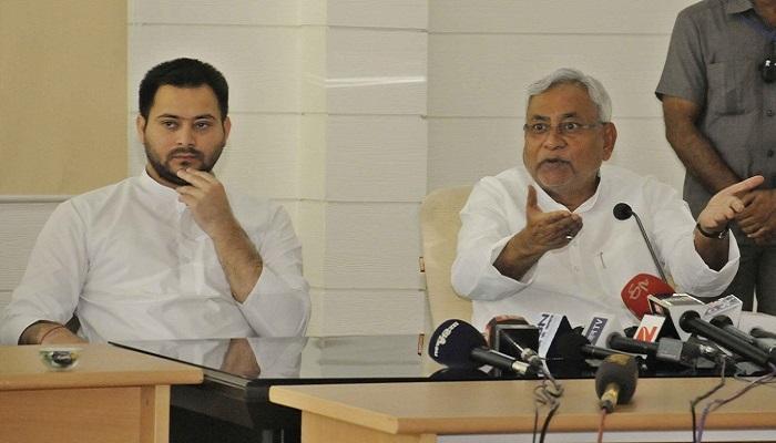 महागठबंधन का गेमओवर? नीतीश कुमार हर हाल में चाहते हैं तेजस्वी का इस्तीफा