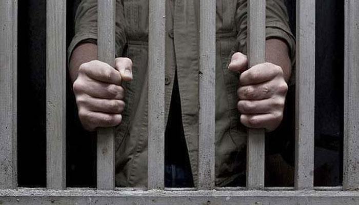 जेल तोड़कर भाग रहे 3 कैदियों को गोलियों से भूना