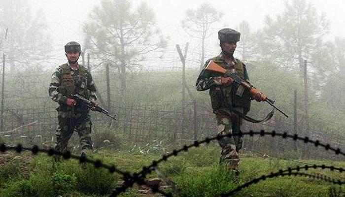पाकिस्तानी गोलाबारी में दो जवान शहीद, घुसपैठ कर रहे आतंकी को भारतीय सैनिकों ने मार गिराया