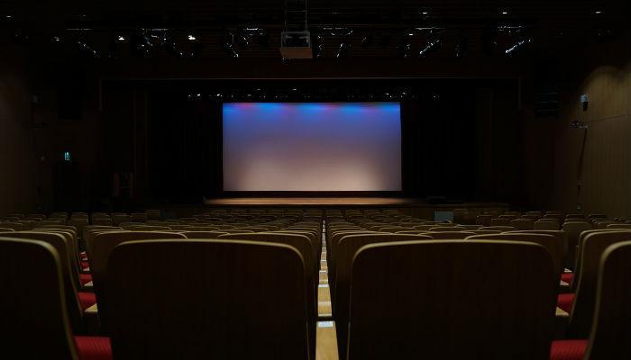 चीन ने विवादित दक्षिण चीन सागर द्वीप में शुरू किया फिल्म थियेटर