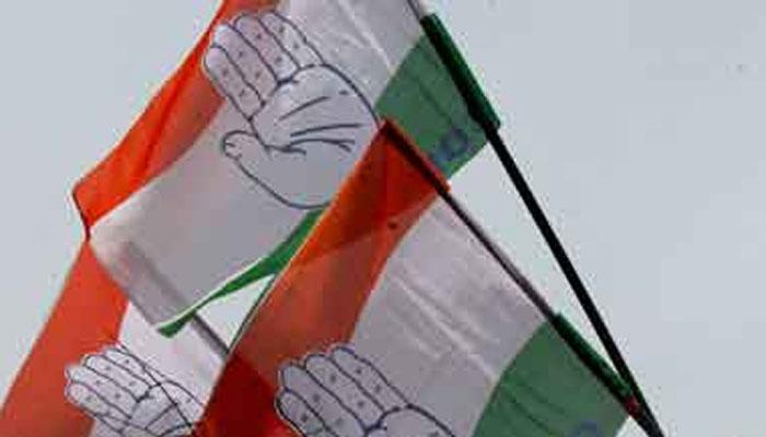 रातोंरात अपने 46 विधायकों को गुजरात से बेंगलुरु ले गई कांग्रेस, अब तक 7 छोड़ चुके है पार्टी का साथ