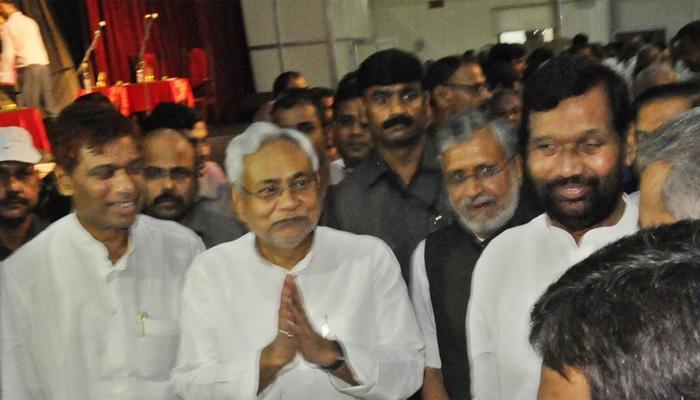 नीतीश मंत्रिमंडल में नंदकिशोर और ललन सिंह की वापसी, भाजपा के 11 व जदयू से 14 विधायक