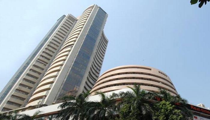 शेयर बाजारों में गुरुवार को गिरावट रही, सेंसेक्स 267 अंक नीचे