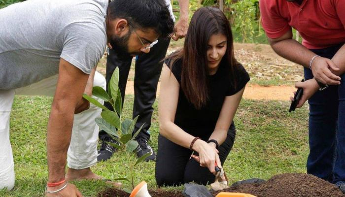 श्रीलंका में विराट और अनुष्का ने यह काम करते हुए साथ बिताया वक्त, देखें तस्वीर