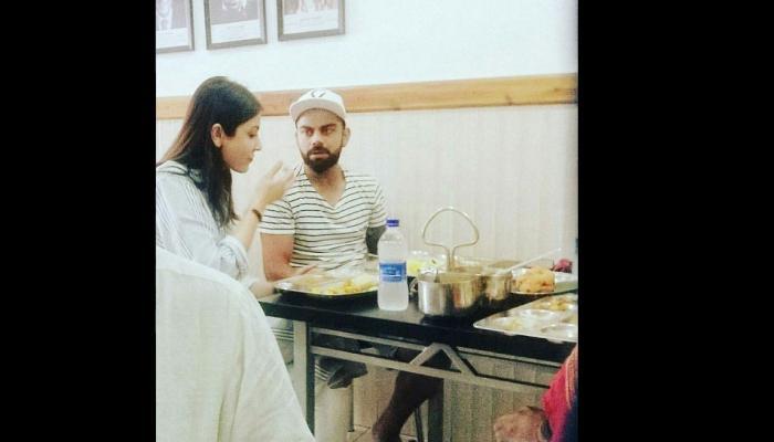 देखें, एक साथ खाना खाते हुए अनुष्का शर्मा और विराट कोहली कैमरे मे हुए कैद