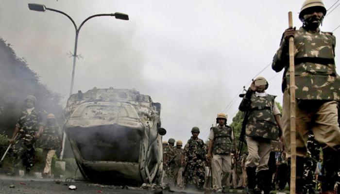 डेरा प्रमुख पर फैसला : हिंसा में 31 की मौत, UP के 9 जिलों में धारा 144, 9 आश्रम सील