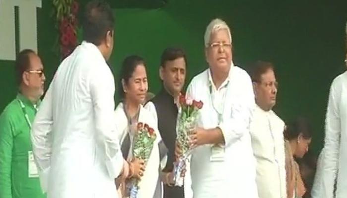 बीजेपी के खिलाफ लालू का शंखनाद, RJD समर्थकों से पटा गांधी मैदान