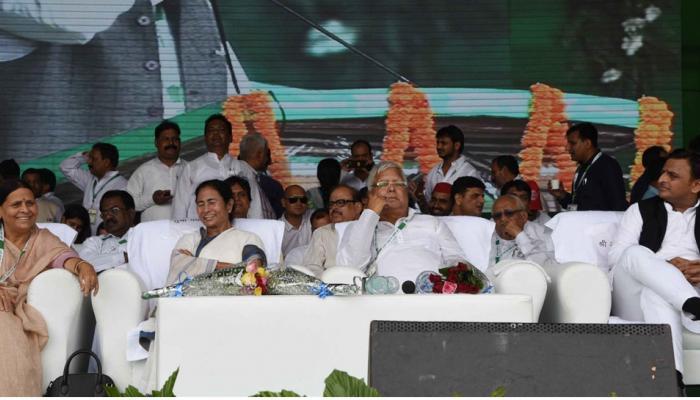 ये क्या! लालू यादव की रैली तो थी भाजपा के खिलाफ, लेकिन सबसे ज्यादा निशाना बने नीतीश कुमार